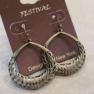 Jewelry - Festival Round Leaf Earrings